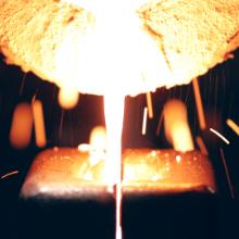 金白金の溶解・キャップ成形